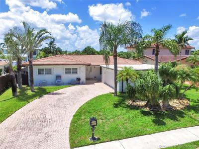 North Miami Single Family Home For Sale: 13200 Ortega Ln