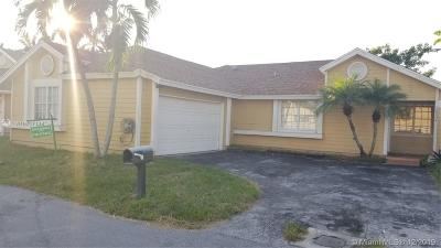 Miami Single Family Home For Sale: 10004 SW 141st Ct