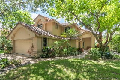 Pompano Beach Single Family Home For Sale: 507 Misty Oaks Dr
