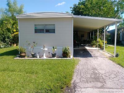 Davie Single Family Home For Sale: 4800 Lot 73 S Pine Island Rd