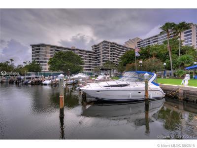 Hallandale Beach Condo/Townhouse For Sale: 500 Three Islands Blvd #401