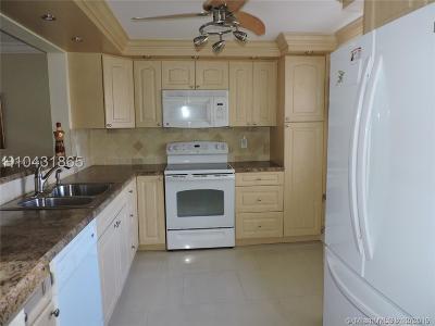 Dania Beach Condo/Townhouse For Sale: 321 SE 3rd St #505