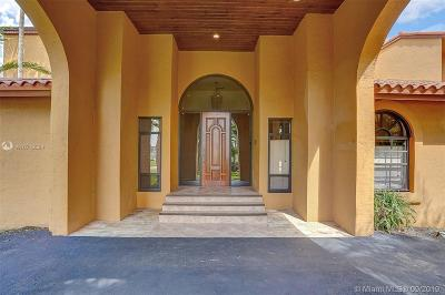 Miami Single Family Home For Sale: 8215 Grand Canal Dr