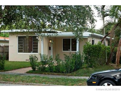 Hollywood Single Family Home For Sale: 1551 Madison St
