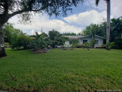 Coral Gables Single Family Home For Sale: 525 Gondoliere Ave