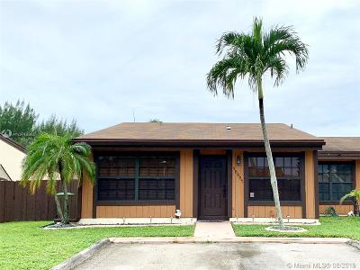 Pembroke Pines Single Family Home Active Under Contract: 10331 Juniper Ct