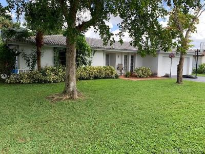 Coral Springs Single Family Home For Sale: 10775 NW 40th St