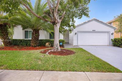 Pembroke Pines Single Family Home For Sale: 19838 SW 3rd Pl