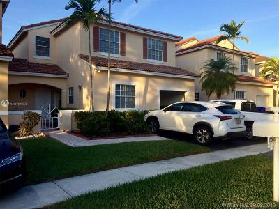 Pembroke Pines Single Family Home For Sale: 17275 NW 7th St