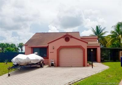 Miramar Single Family Home For Sale: 2440 SW 85th Ter