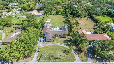 Pinecrest FL Single Family Home For Sale: $979,000