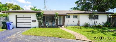 Oakland Park Single Family Home For Sale: 41 NW 33rd St