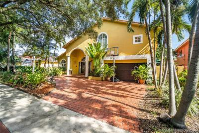 Miami Lakes Single Family Home For Sale: 8271 NW 166th Ter