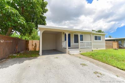 Oakland Park Single Family Home For Sale: 51 NW 56th Ct