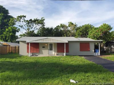 Oakland Park Single Family Home For Sale: 2000 NW 32nd St