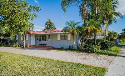 Hollywood Single Family Home For Sale: 1001 N 46th Ave