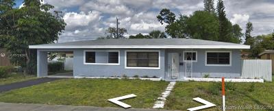 Miami Gardens Single Family Home For Sale: 1861 NW 183rd St