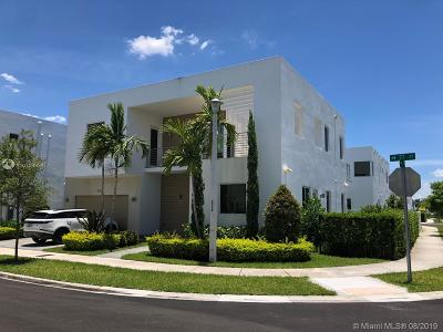 Doral Single Family Home For Sale: 10120 NW 77th St
