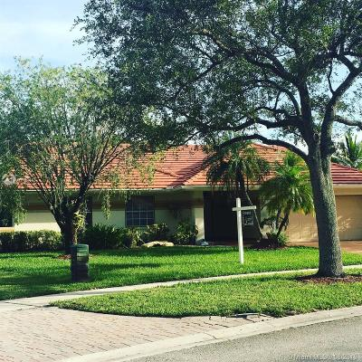 Pembroke Pines Single Family Home For Sale: 919 NW 161st Ave