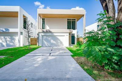 Miami Single Family Home For Sale: 5883 SW 25th St
