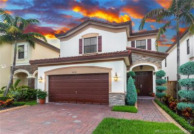 Doral Single Family Home For Sale: 8878 NW 101st Pl