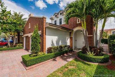 Doral Single Family Home For Sale: 10553 NW 70th Ln
