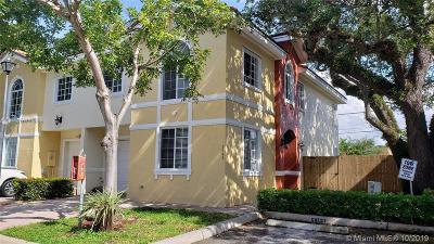 Dania Beach Condo/Townhouse For Sale: 5343 SW 40th Ave #5343