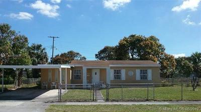 Miami Gardens Single Family Home For Sale: 16401 NW 17th Pl