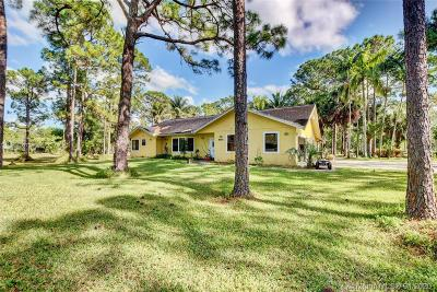 West Palm Beach Single Family Home For Sale: 6658 N 140th Ave N