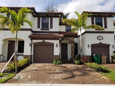 Davie Condo/Townhouse For Sale: 6489 N Anise Ct