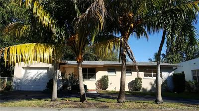 North Miami Single Family Home For Sale: 445 NE 131st St