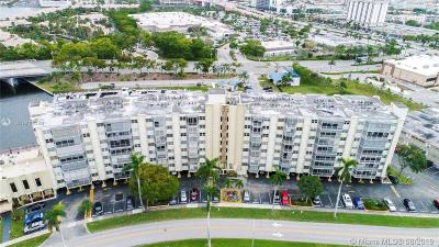 Hallandale Beach Condo/Townhouse For Sale: 200 Diplomat Pkwy #633
