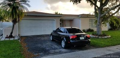Sunrise Single Family Home For Sale: 10261 NW 24th Ct