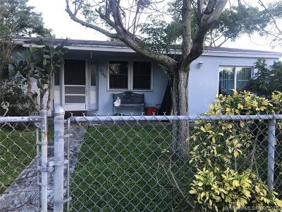 Davie Single Family Home For Sale: 7740 NW 34 St
