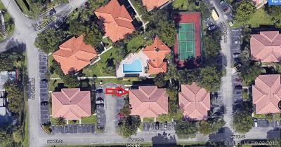 Pembroke Pines FL Condo/Townhouse For Sale: $199,900