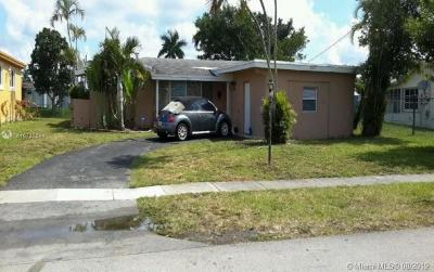 Lauderdale Lakes Single Family Home For Sale: 3827 NW 36th St