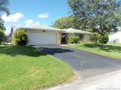 Palmetto Bay Single Family Home For Sale: 8521 SW 181st St