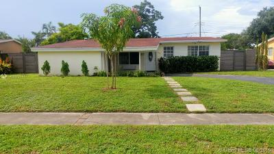 Pembroke Pines Single Family Home For Sale: 6910 SW 4th St