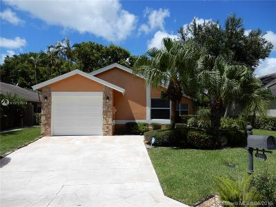 Boca Raton Single Family Home For Sale: 7601 Martinique Blvd