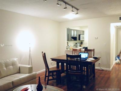 Hollywood Condo/Townhouse For Sale: 2309 Park Ln #205
