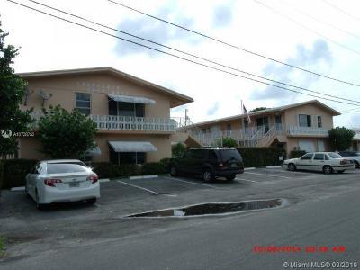 Pompano Beach Single Family Home For Sale: 2344 NE 12th St #E