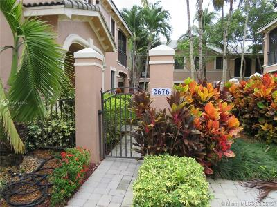 Weston Condo/Townhouse For Sale: 2676 Center Ct Dr #2-34