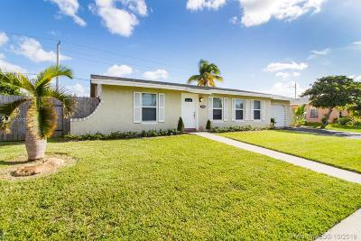 Lauderhill Single Family Home For Sale: 7760 NW 44th Ct