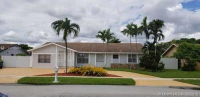 Miami Single Family Home For Sale: 13237 SW 44th Ln