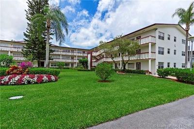 Boca Raton FL Condo/Townhouse For Sale: $67,000