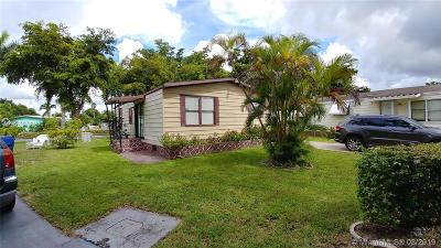 Miami Gardens Single Family Home For Sale: 20004 NW 54 Pl