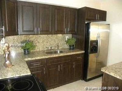 Miramar Single Family Home For Sale: 6991 Miramar Parkway