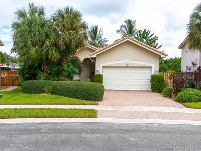 Pembroke Pines Single Family Home For Sale: 7247 NW 22nd Dr