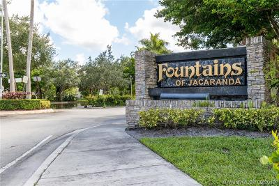 Plantation Condo/Townhouse For Sale: 140 SW 96th Ter #307