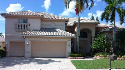 Pembroke Pines Single Family Home For Sale: 13739 NW 18 Ct